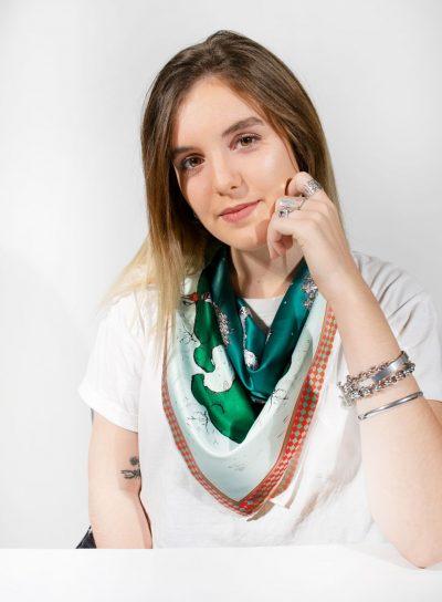 Pañuelo Serie Pista de Nieve verde de Sofia Lapenta