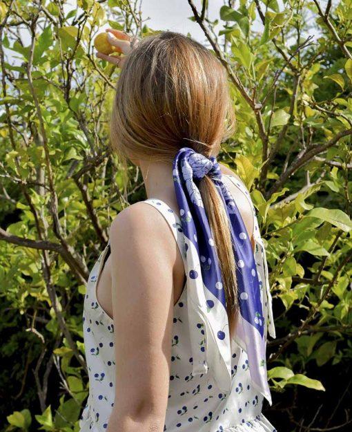 Pañuelo Serie Peonias Cerezas color Azul | Sofia Lapenta