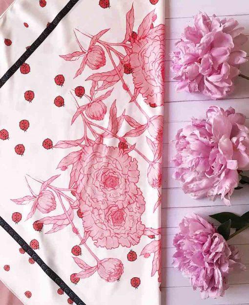 Pañuelo Serie Peonías color Blanco con Flores Rosas | Sofia Lapenta