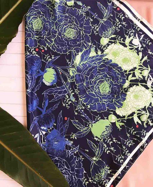 Pañuelo Serie Peonías color Azul con Flores Verdes | Sofia Lapenta