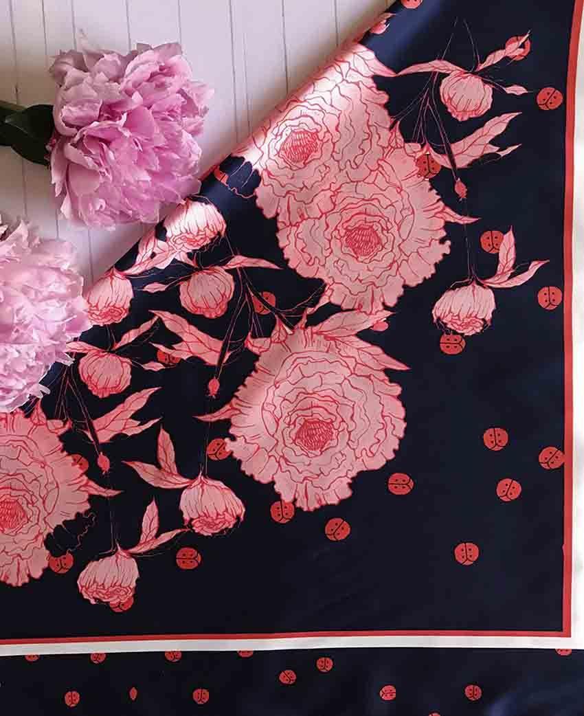 Pañuelo Serie Peonías color Azul con Flores Rosas | Sofia Lapenta
