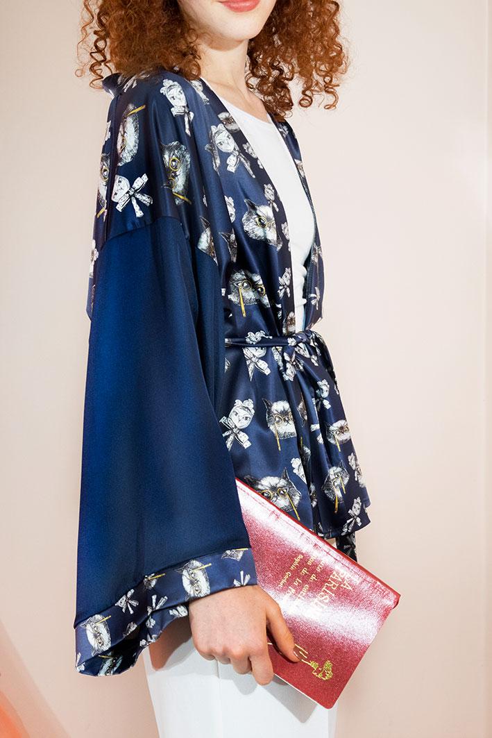 Kimono Bata Impertinentes Azul 3