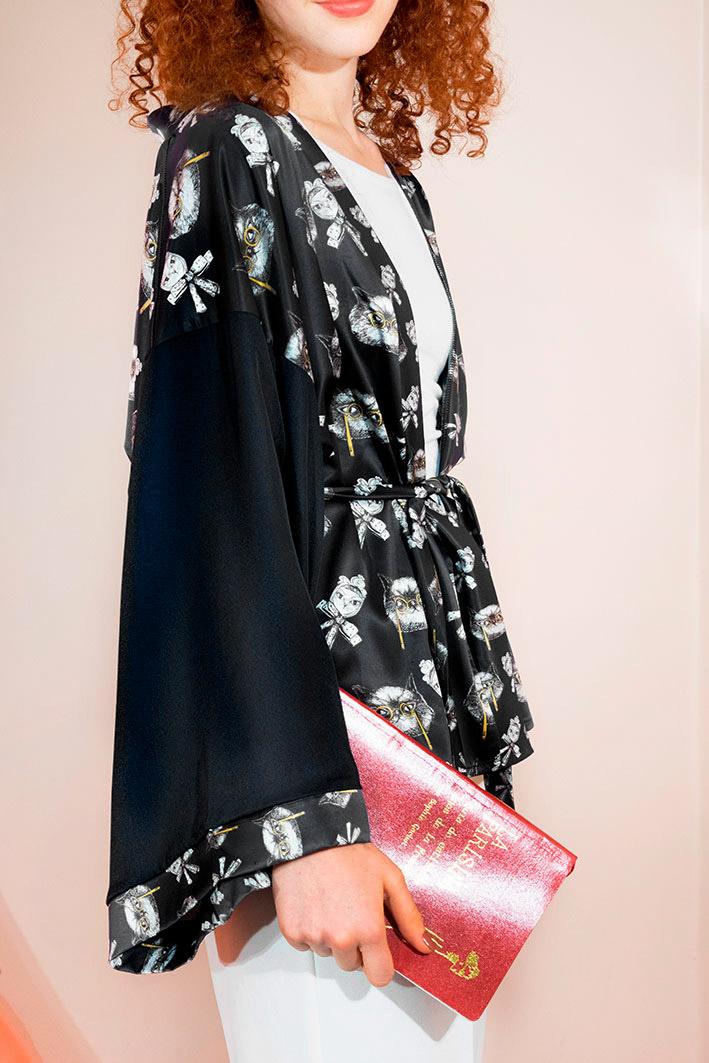 Kimono Bata Impertinentes Negro 3